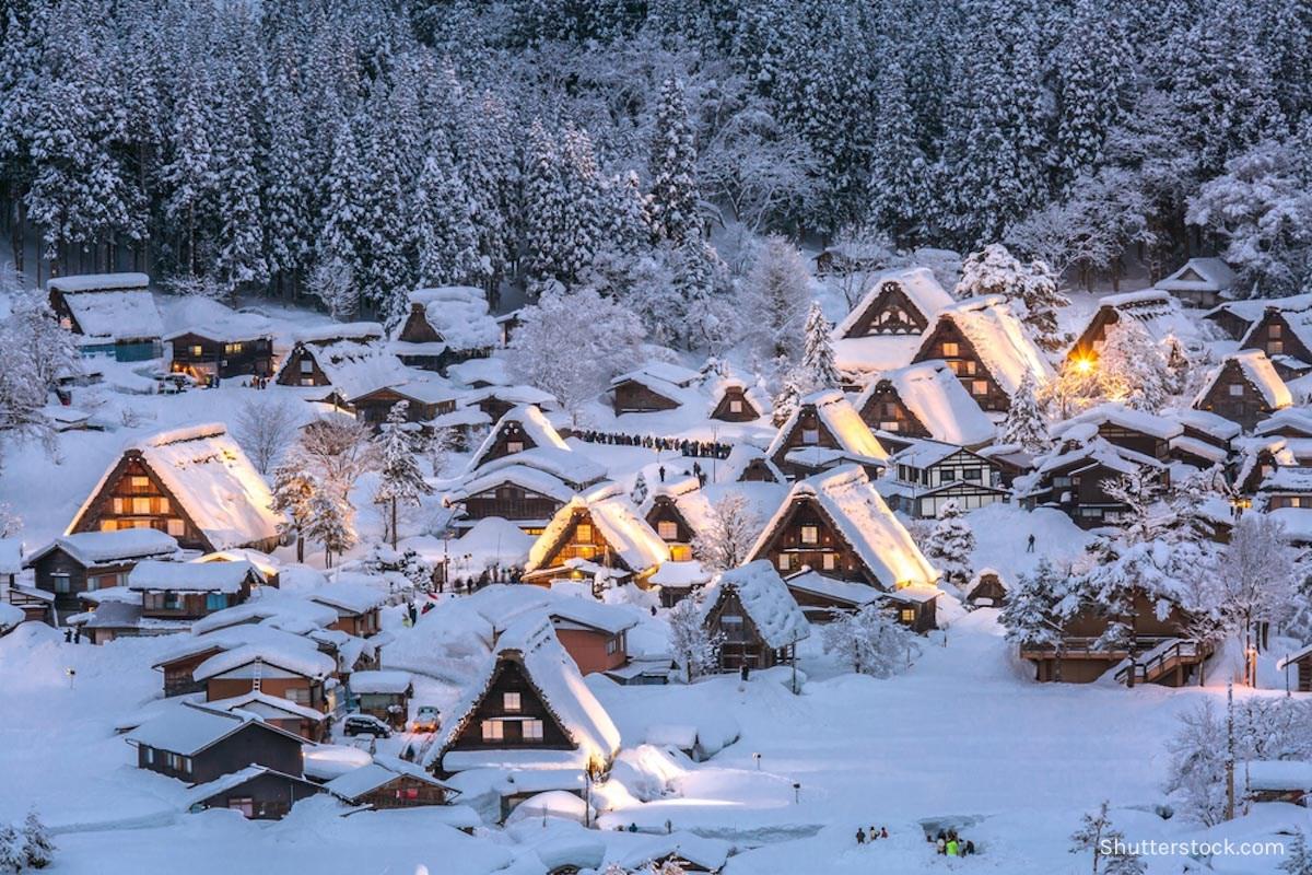 Shirakawago, tempat paling bersalju di Jepang